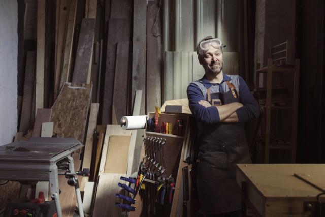 Portret Henk Rijckaert, 2016, Working Class Heroes, Atelier, Gent, Hout, knutselaar, Comedian,